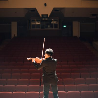 プロはストラディバリウスより、新しいヴァイオリンを選んだ!?