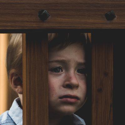 罰が子供の「しつけ」になり得ない理由:モンテッソーリが教えてくれたこと