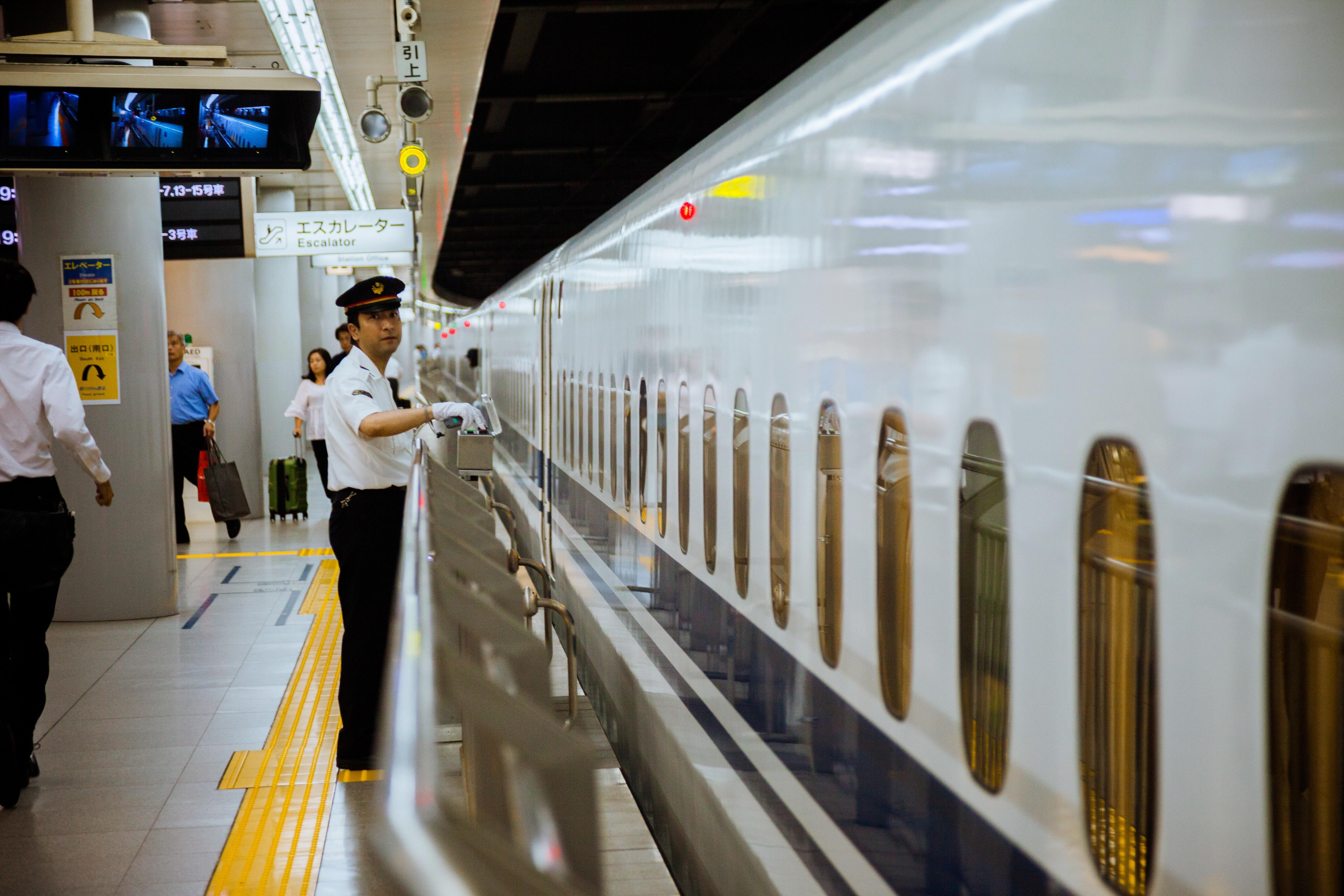 時間に正確な日本の電車