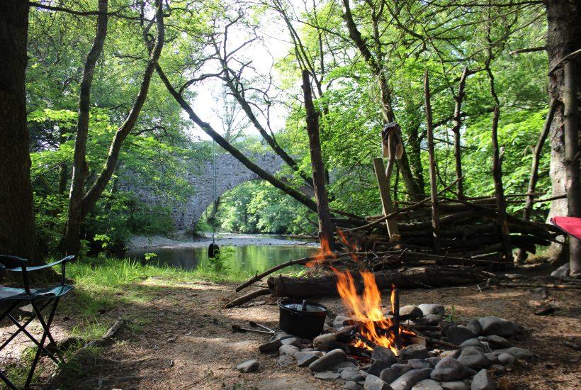 グランピングより手頃に快適キャンプを楽しむ