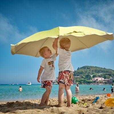 子供はなぜ夏に身長が伸びるのか?