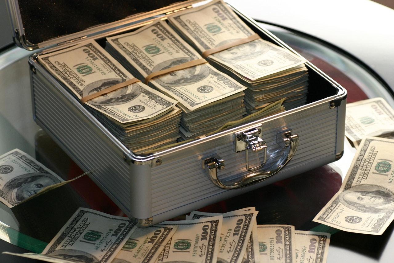大金を海外の銀行口座に送る一番安い方法