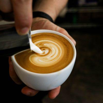 牛乳不使用でもこんなにカフェラテは美味しく飲める!