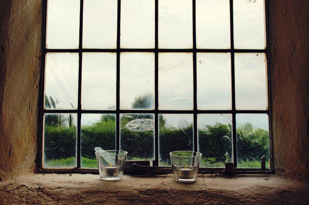 古いイギリスの窓ガラス