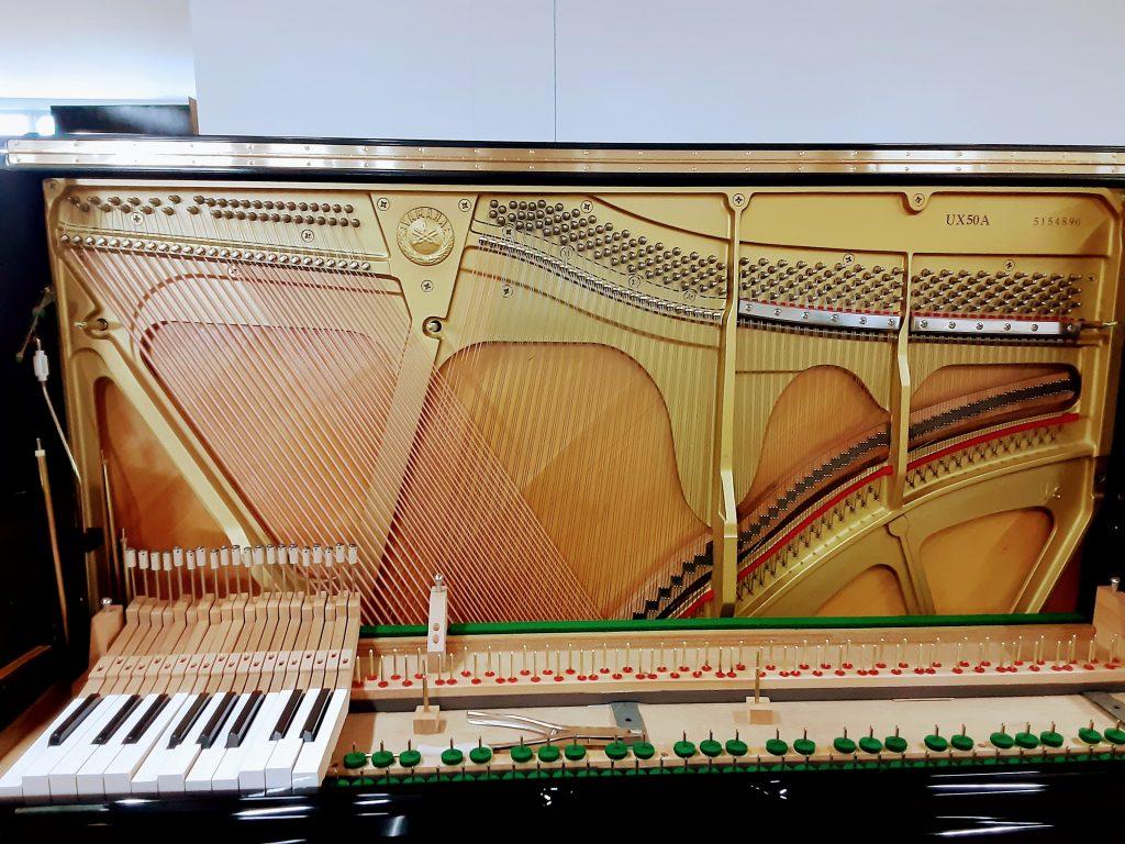 アップライトピアノの弦